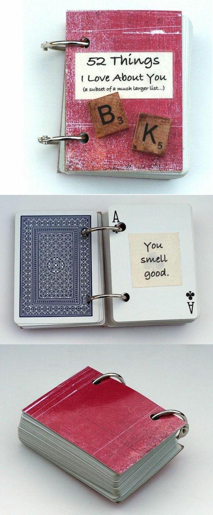 regalos-originales-para-novios-idea-cuaderno-con-naipes-mensajes-amor-azul-rojo