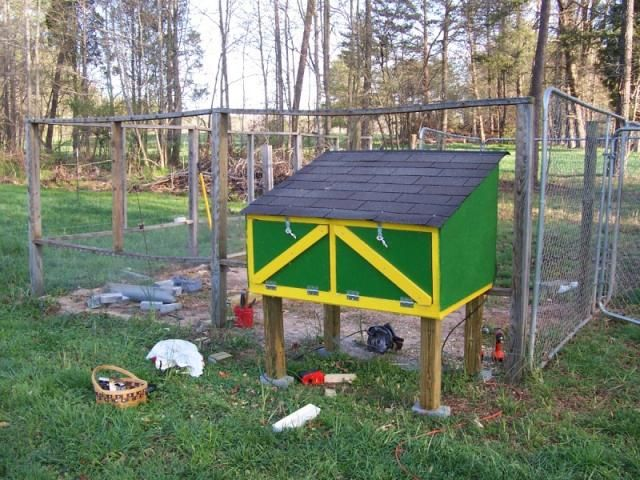 A modded version of the feral cat house plans that can be found online (which we built for our cat), This one is a coop version!