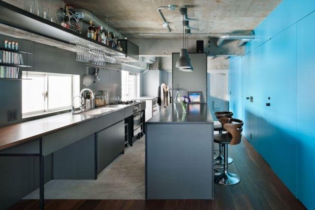 industrial chic-küchenstil blau schränke-offene regale