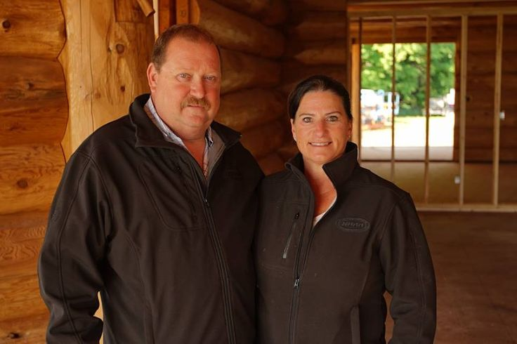 Beat and his crew built the home for Lisa and Scott Gray, an Ontario couple who had always dreamed of owning a log ranch.