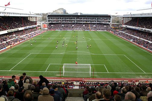 Highbury - Arsenal's old ground. Occasionally in the 60s & early 70s I travelled up to London to watch the Gunners - photo http://drexelpublishing.org/wp-content/uploads/2010/07/highbury_1.jpg