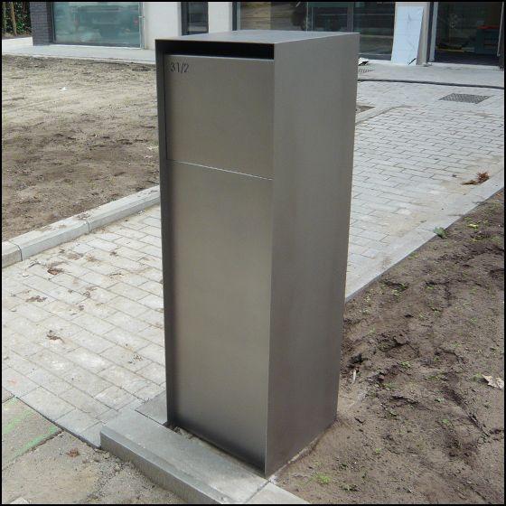 Strakke design brievenbus pakjes systeem met anti diefstal. De brievenbus is uitgevoerd in RVS / INOX.