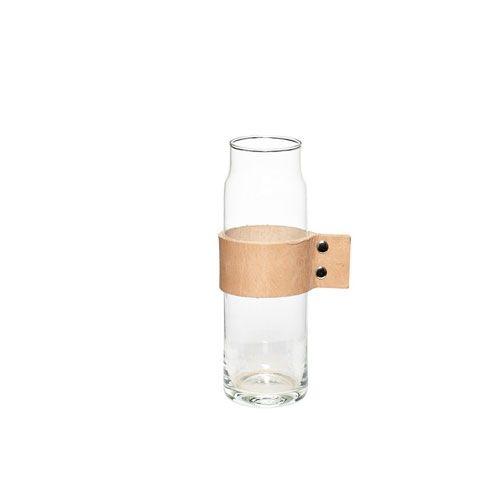 Hubsch vaas maar ook leuk te gebruiken om bv. nootjes in te serveren of als water/wijn karaf ;)! Verkrijgbaar in onze shop; www.loft55.nl