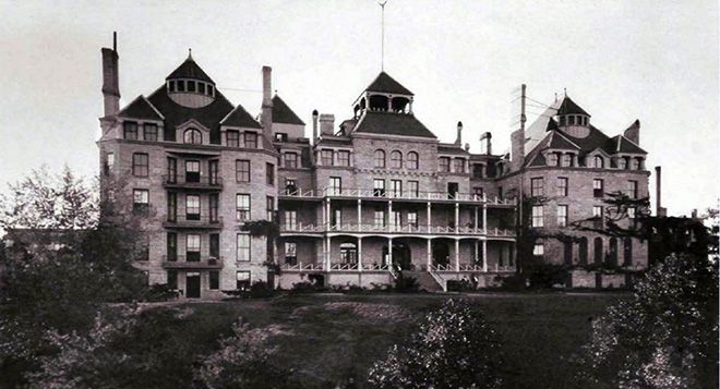 Stuff You Missed in History Class: The Crescent Hotel and Norman Baker Podcast