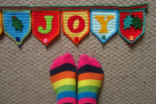 Cutest banner pattern and possibilities!  I think I'll make a Welcome banner to add color to the enterway.