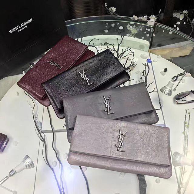 【specialyou_】さんのInstagramをピンしています。 《LINE ID: aimee.319 DMよりラインの方が早いです。 2つ以上の購入は追加割引可能。 基本付き品:1。財布 : 専用箱、専用袋、Gカード、該当ブランドのショッパー 2。バッグ : 専用袋、Gカード、該当ブランドのショッパー #chanel#シャネル#パロディ#ルブタン#dior#ルイヴィトン#夏#雨#ラブ#グッチ#サンダル#靴#スニーカー#コピー品#バーキン#エルメス#サンローラン#セリーヌ#ラゲージ#クロムハーツ#バレンシアガ#東京#j12#大阪#カルティエ#ロレックス#時計#旅行#海#szx saint laurent》