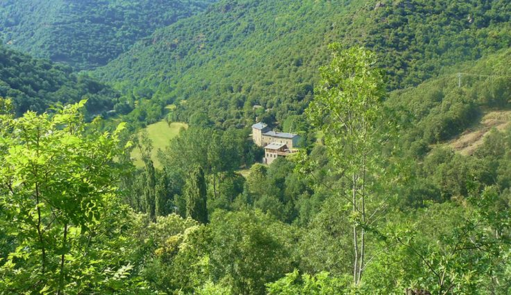 Gardoussel Retreat is a beautiful haven in the south of France offering yoga, creative writing and personal development retreats – residential and full board and with home-made vegetarian meals. http://secretworldretreat.com/retreats/gardoussel-retreat-france