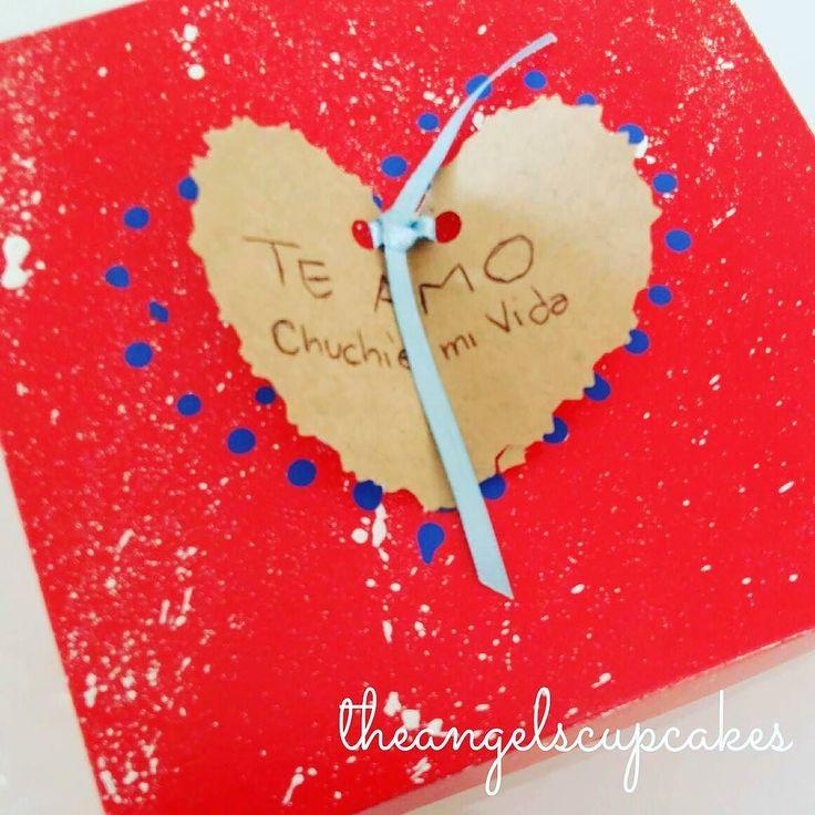Feliz Dia del Amor y la Amistad  Nuestras cajitas de regalo personalizadas!  #reposteriacreativa #regalo #pasteleria #14f #diadelosenamorados #sanvalentin #cajaderegalo #amor #corazon #hearth #giftbox #candybar #chocolate #ccs #caracas