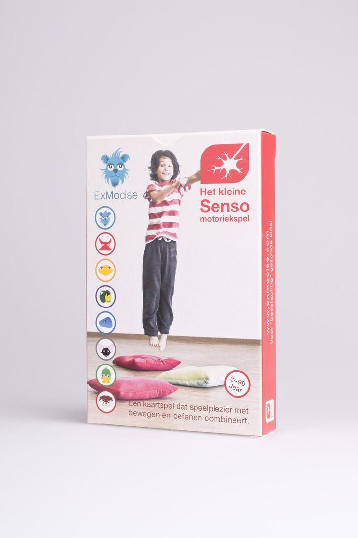 Het kleine sensomotoriekspel 3+ - Het kleine sensomotoriekspel biedt oefeningen die zintuiglijke waarnemingen koppelen aan beweging om zodoende coördinatie en spiergeheugen te trainen. Op 32 speelkaarten tonen 8 dieren telkens 4 oefeningen. In de spelhandleiding worden verschillende spelvarianten uitgelegd die zowel individueel als in groep te gebruiken zijn. Het spel kent 4 moeilijkheidsgraden. ExMocise is door deskundigen ontwikkeld en door artsen aanbevolen. De gezonde actie-kaartspellen…