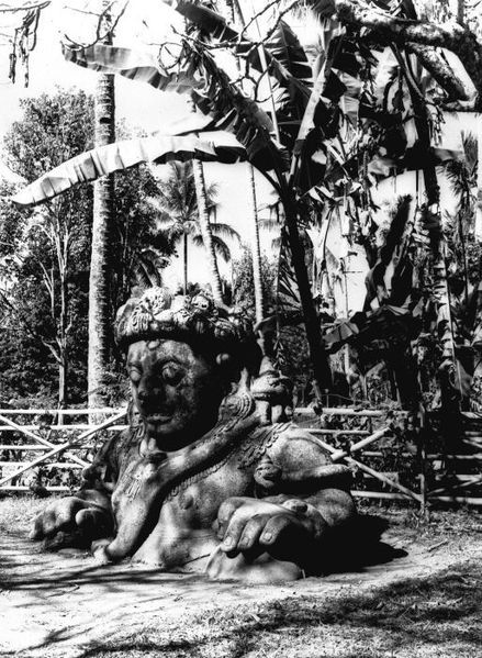 Temple guard sculpture at the Candi Singosari. G.F.J. (Georg Friedrich Johannes) Bley / TROPENMUSEUM 1900-1938