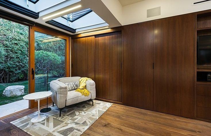 Westgate Residence by Kurt Krueger Architect