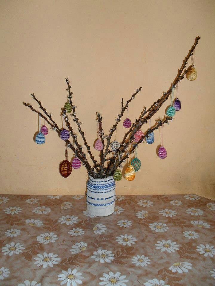 Horgolt tojások, húsvéti tojásfa