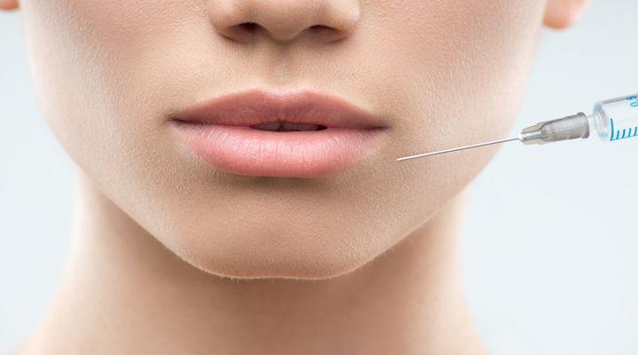 Λεπτά και άτονα χείλη; Έχουμε τη λύση... και το αποτέλεσμα είναι άμεσο και φυσικό!