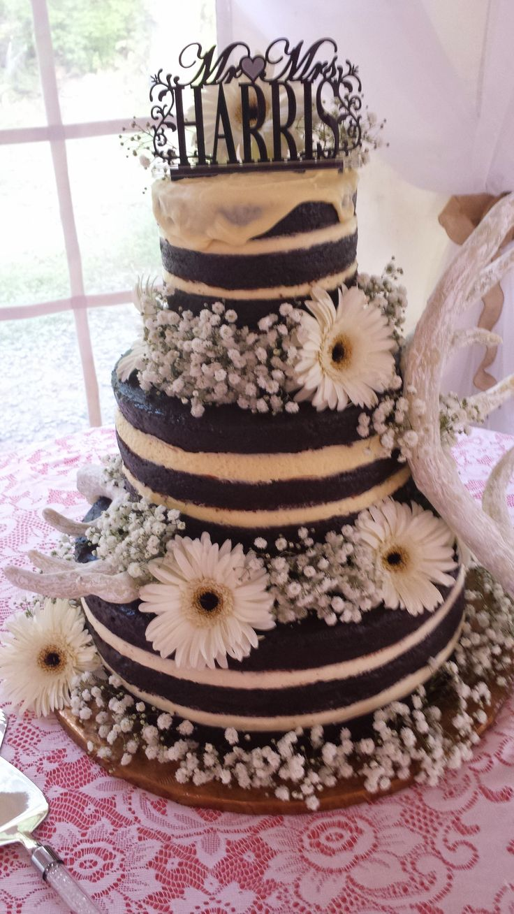 how to stack wedding cake layers chocolate stacked layer cake for the lucky and groom 16177