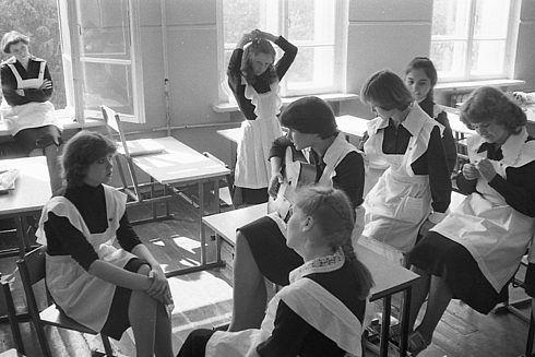 Как проходил последний звонок в советских школах / Назад в СССР / Back in USSR