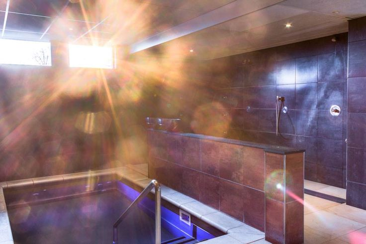 Afkoelen in het dompelbad waar je voorzichtig wat zonnestraaltjes meepikt.