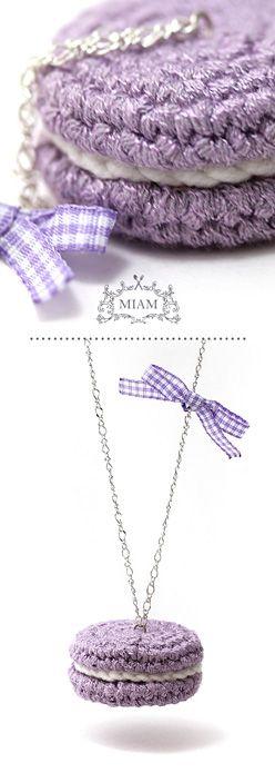 Sautoir macaron tricot violette. MIAM PARIS.