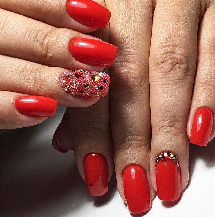 Bright red nails, January nails, New year nails ideas 2017, New Year's nails by a red dress, Red gel polish for nails, Red nail art, Red nails ideas, ring finger nails