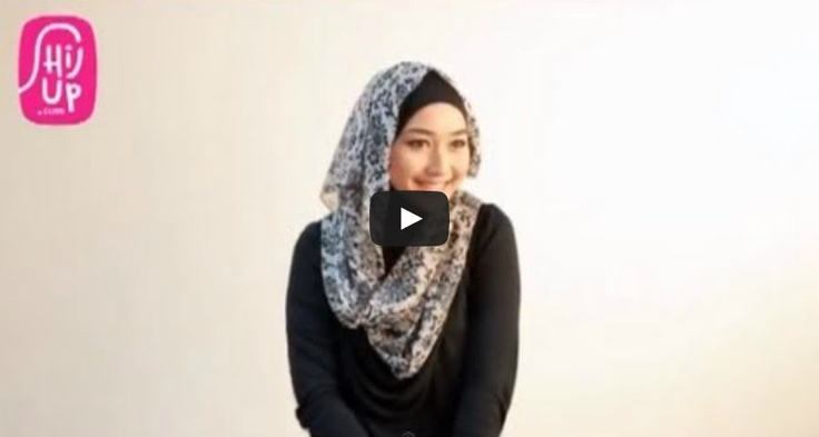 HIJAB TUTORIAL STYLE 21     Check the designers collections at HijUp.com  Get Up with your Hijab and Be Fabulous with HijUp! ♡     Song: Fabulous with HijUp - D.B.E  ___________________________________  Visit our youtube channel and find a lot of hijab inspiration there!  Happy Watching, Dear :)