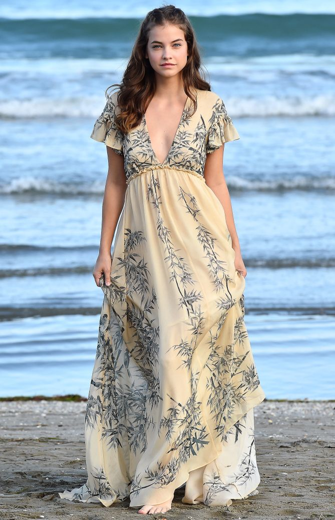 Venice Film Festival 2016's Best Red Carpet Moments - Barbara Palvin in a a Philosophy dress
