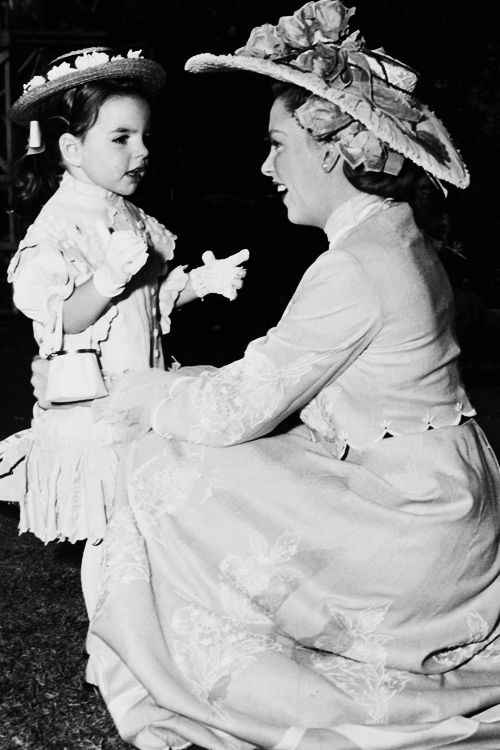 Liza Minnelli and Judy Garland on the set of In The Good Old Summertime (1948).