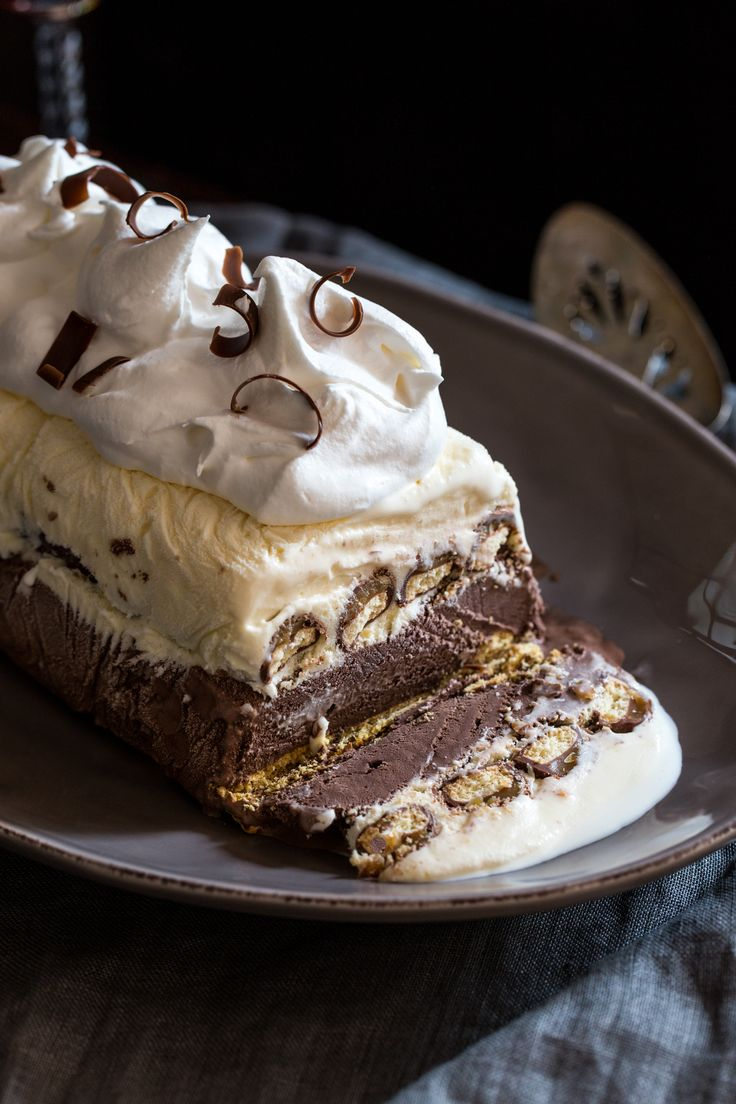 Twix Icebox Cake is a great, no-bake dessert full of ice cream and decadent candy bars.