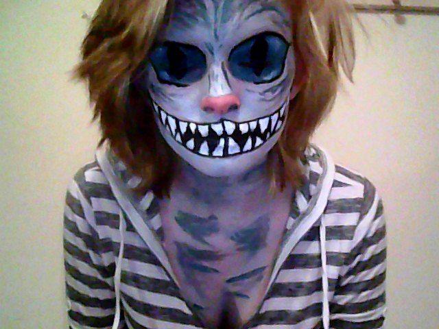 preparing hipster costume for halloween cheshire cat hipsterwallcom hipster fashion inspiration - Hipster Halloween Ideas