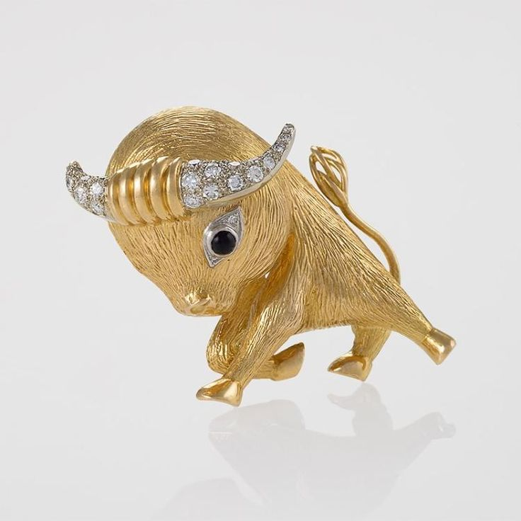 Buy online, view images and see past prices for Van Cleef & Arpels Paris Diamond, Onyx and Gold 'Taureau' Clip Brooch. Invaluable is the world's largest marketplace for art, antiques, and collectibles.