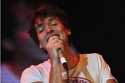 Paolo Nutini surprises fans with performance in Paisley pub