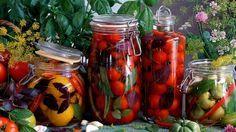 Inšpirujte sa našimi receptami a pripravte si delikátne paradajkové zásoby.