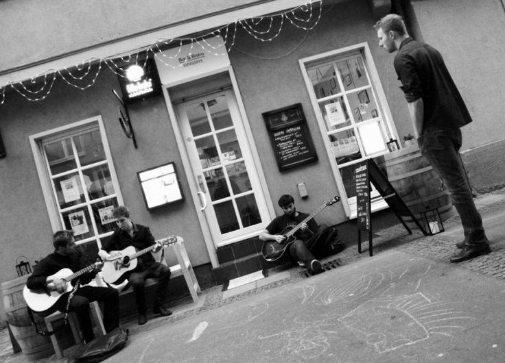 Bar & Bistro SIDEWAYS