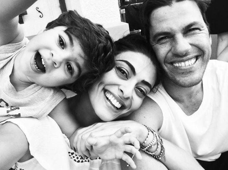 Juliana Paes posta foto fofíssima com marido e filho durante férias na Disney - Blog da Cris Feu