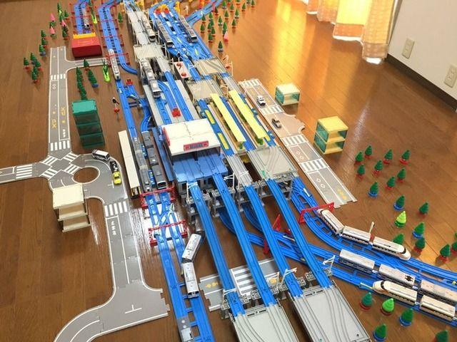 【画像】プラレールで完全再現された北千住駅wwwwwwwwwwww