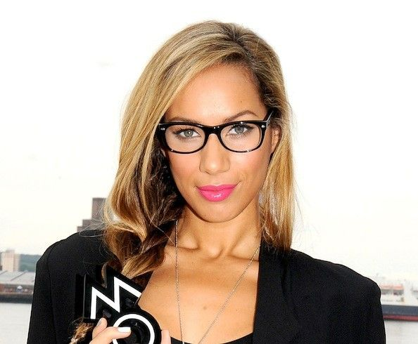 Black Frame Glasses Celebrities Wear : 86 best images about Celebrities in Glasses on Pinterest