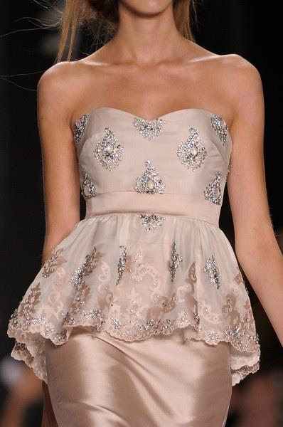 Vestido de cetim e renda rosa !