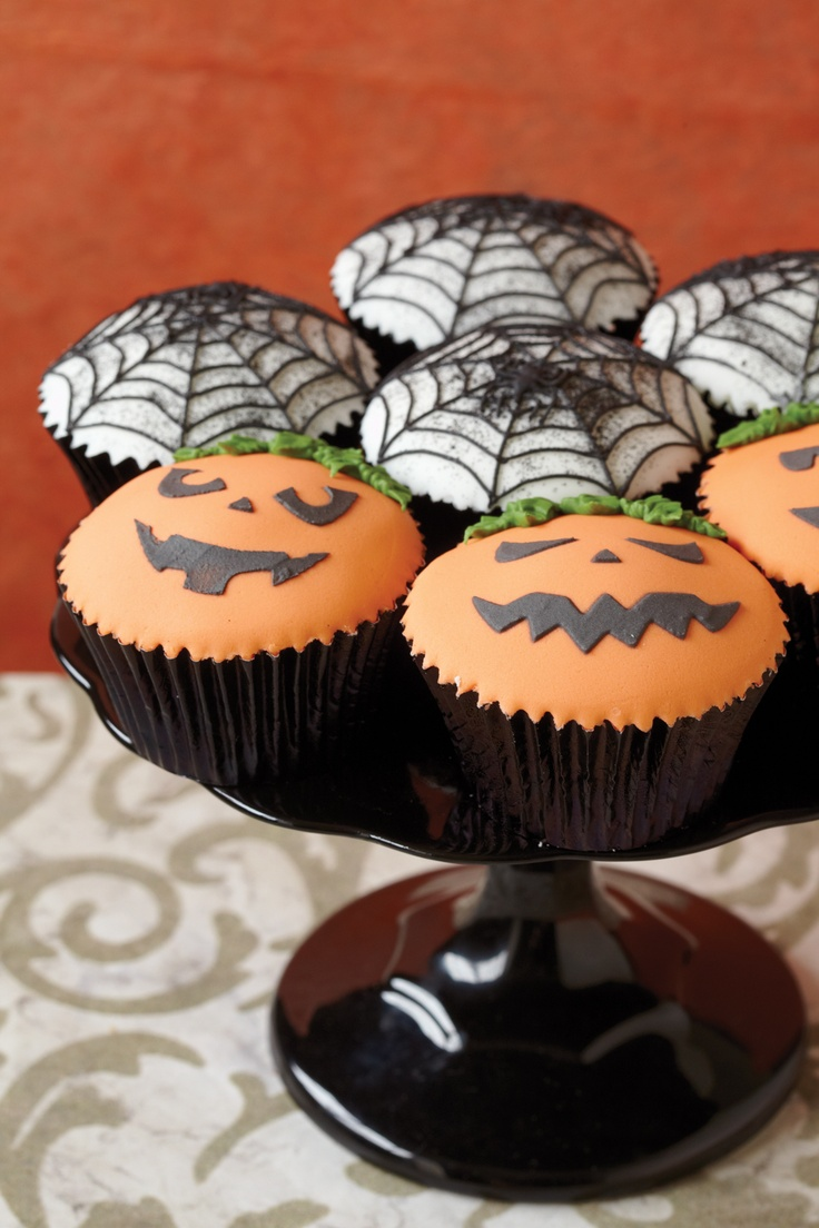 i just adore halloween decorated cupcakes - Halloween Decorated Cupcakes