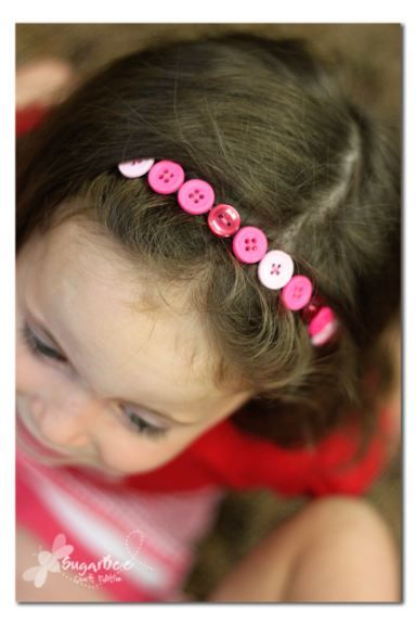 Sugar Bee Crafts: Button Headband - how to make one - this is a great craft for girls to teach them about sewing on buttons