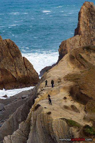 Acantilados de La Arnía municipio de Piélagos, Cantabria  Spain