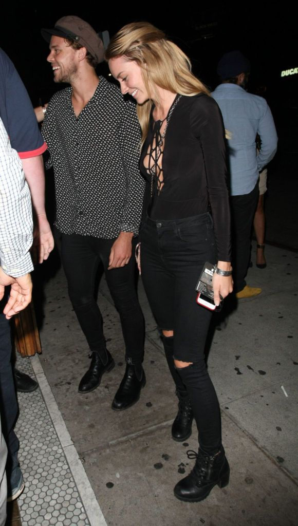 | IS 5SOS DRUMMER ASHTON IRWIN BACK TOGETHER WITH HIS EX BRYANA HOLLY  | http://www.boybands.co.uk
