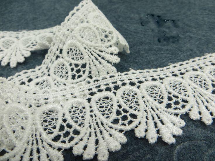 White Venise Lace Loop De Loop 1.75 inch Scalloped Lace Trim