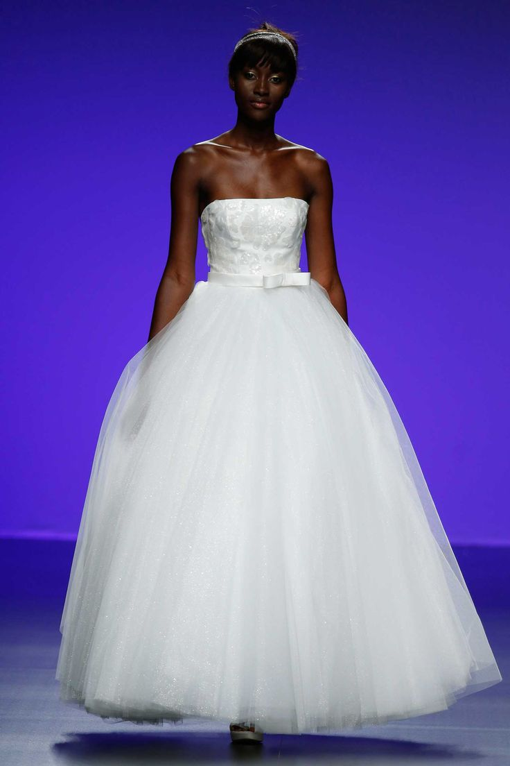 15 best Catwalk Cymbeline images by Somnia Mariage Exclusive on ...