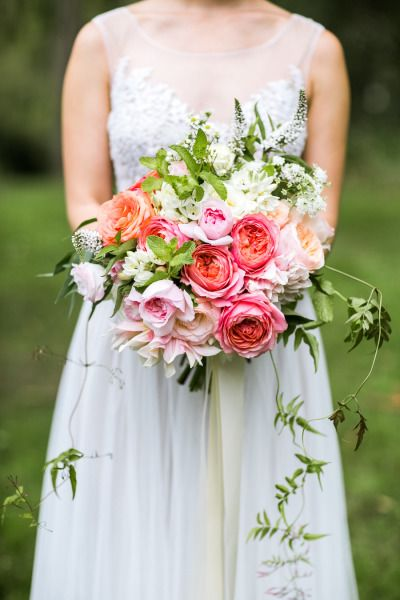 Garden rose bouquet: http://www.stylemepretty.com/2015/07/20/24-garden-wedding-details-that-will-have-everything-coming-up-roses/