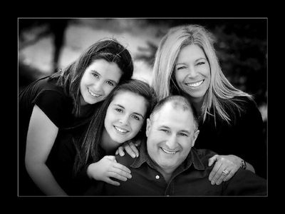Cool Family Picture Poses | 08-09-2010 - Top Five Poses For Family Portraits