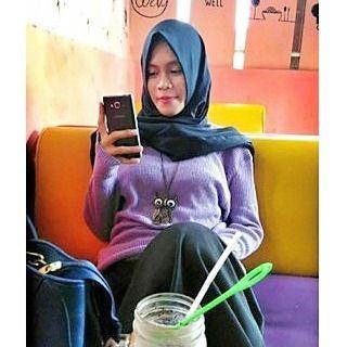 Repost from @cherishaamriaeldaputri ----- Follow @hijabermodis  #hijabstyleindonesia #wanitaberhijab #hijabcommunity  #jilbabers  #instahijab  #jilbabmontok  #hijab   #jilbabcantik #indohijabers  #jilbabseksi  #jilbabmontok  #jilbabindo  #hijaboobs #hijabers  #hijabindo  #hijabootindo  #jilbabindonesia  #jilbabstyle  #hijabersindonesia #hijaberscommunity #hijabhits  #hijabhitz  #hijabtrend  #hijabsyari