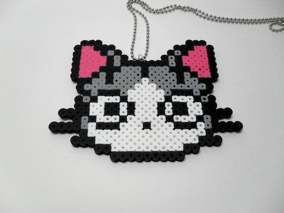 Cat hama perler beads http://handcraftpinterest.blogspot.com/