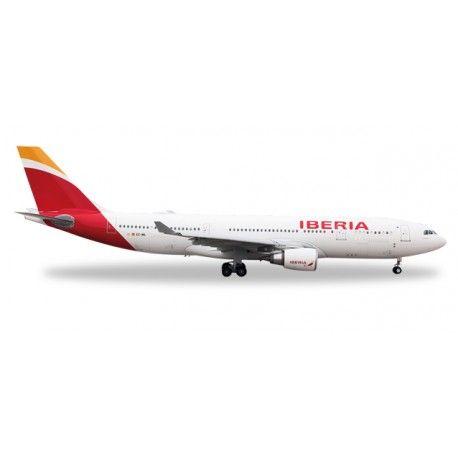 Airbus A330-200 Iberia a escala 1:500 de Herpa, mas info: http://www.maqualas.cl/es/home/433-airbus-a330-200-iberia-4013150529303.html