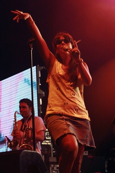 Lily Allen Photos Photos - Lily Allen performs on stage at the Sydney leg of the Big Day Out Festival 2007 at the Sydney Showground on January 25, 2007 in Sydney, Australia. - Big Day Out Concert Hits Sydney