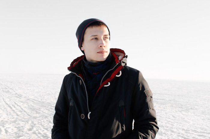 Молодой, но уже снискавший славу российский художник Алексей Зимин поделился ценными советами о том, как как стать известным и дорогим художником