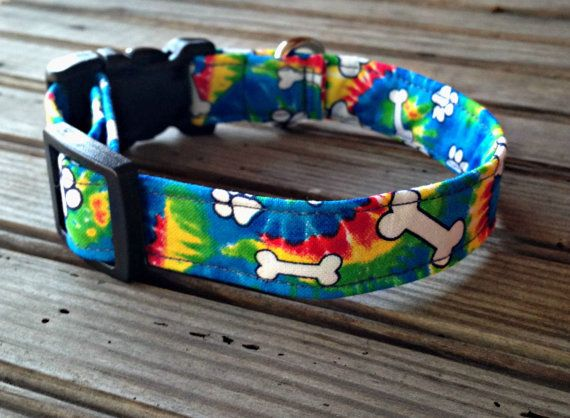 This handmade Tie Dye Bone Print Dog Collar is custom made for you with cotton fabric and thick, quality interfacing that reinforces the fabric to make the leash durable and sturdy for you and your dog. Our collars come in 5 sizes, as follows: Extra Small: 3/4 wide, adjustable to fit a 6 - 9 neck Small: 3/4 wide, adjustable to fit a 8 - 12 neck Medium: 1 wide, adjustable to fit a 10 - 17 neck Large: 1 wide, adjustable to fit a 14 - 22 neck Extra Large: 1 wide, adjustable to fit a 1...