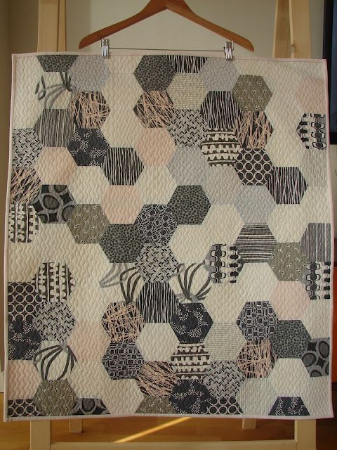 love love love this quilt, may have pinned before. Bonus, comes with a tutorial!